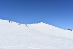 Dolg greben proti vrhu Poisniga